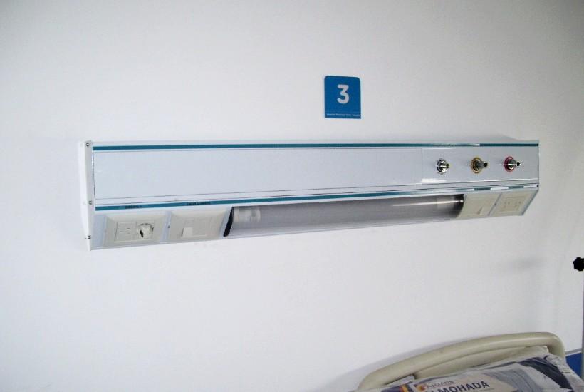 Cabecero de internación con gases oxígeno-aspiración-aire comprimido medicinal -LBC